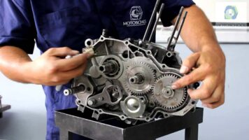 Manual Moto Yamaha FZR 400 Reparación Transmisión