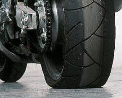 Revisar Neumáticos de la Moto