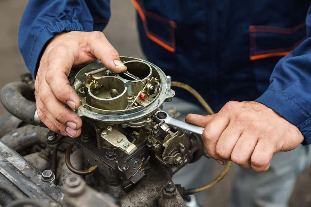 Reparando Carburador de Motor - Manual de Mecánica Básica