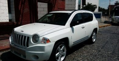 Manual de Usuario JEEP Compass 2010 en PDF Gratis