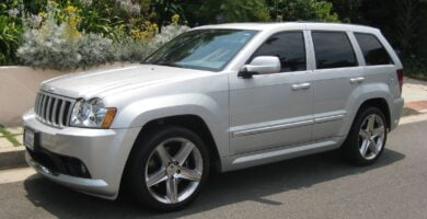 Manual de Usuario JEEP Grand Cherokee SRT8 2006 en PDF Gratis