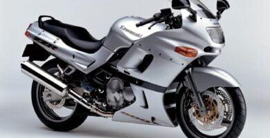 Manual en Español Kawasaki ZZR600 2004 de Usuario PDF GRATIS