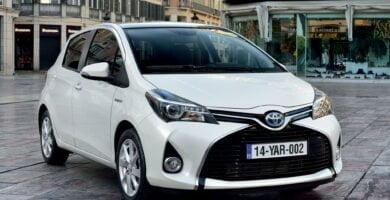 Manual Toyota Yaris 2015 de Usuario