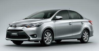 Manual Toyota Yaris 2017 de Usuario