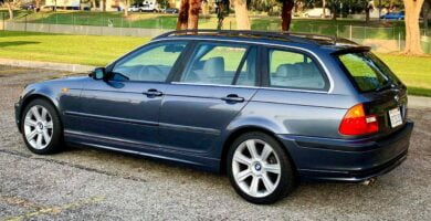 Manual BMW 325i Wagon 2002 de Usuario