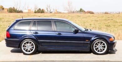 Manual BMW 325xi Sports Wagon 2001 de Usuario