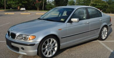 Manual BMW 330i 2002 de Usuario