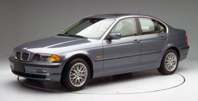 Manual BMW 330xi Sedan 2002 de Usuario