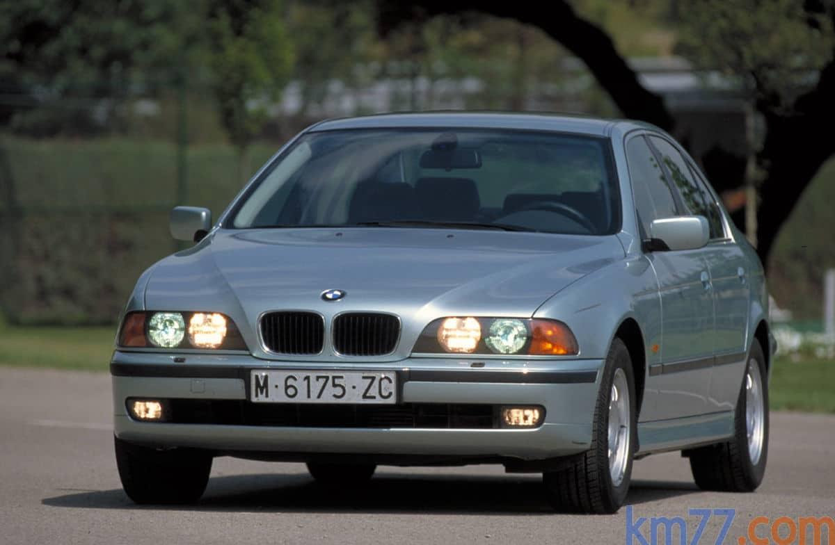 Manual BMW 528i 2000-2014 de Usuario